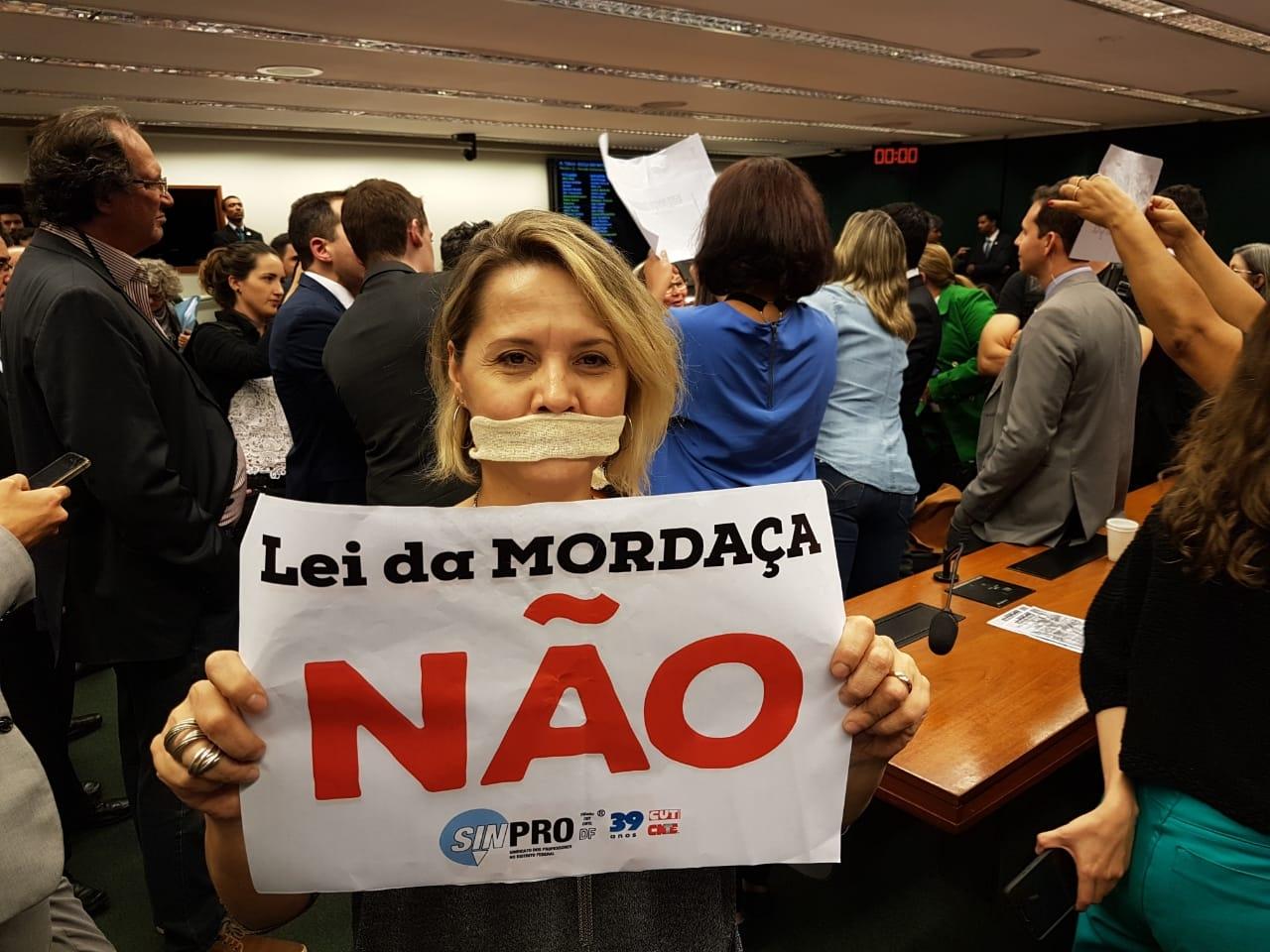 Fotos Lei da Mordaça Votacao (7)