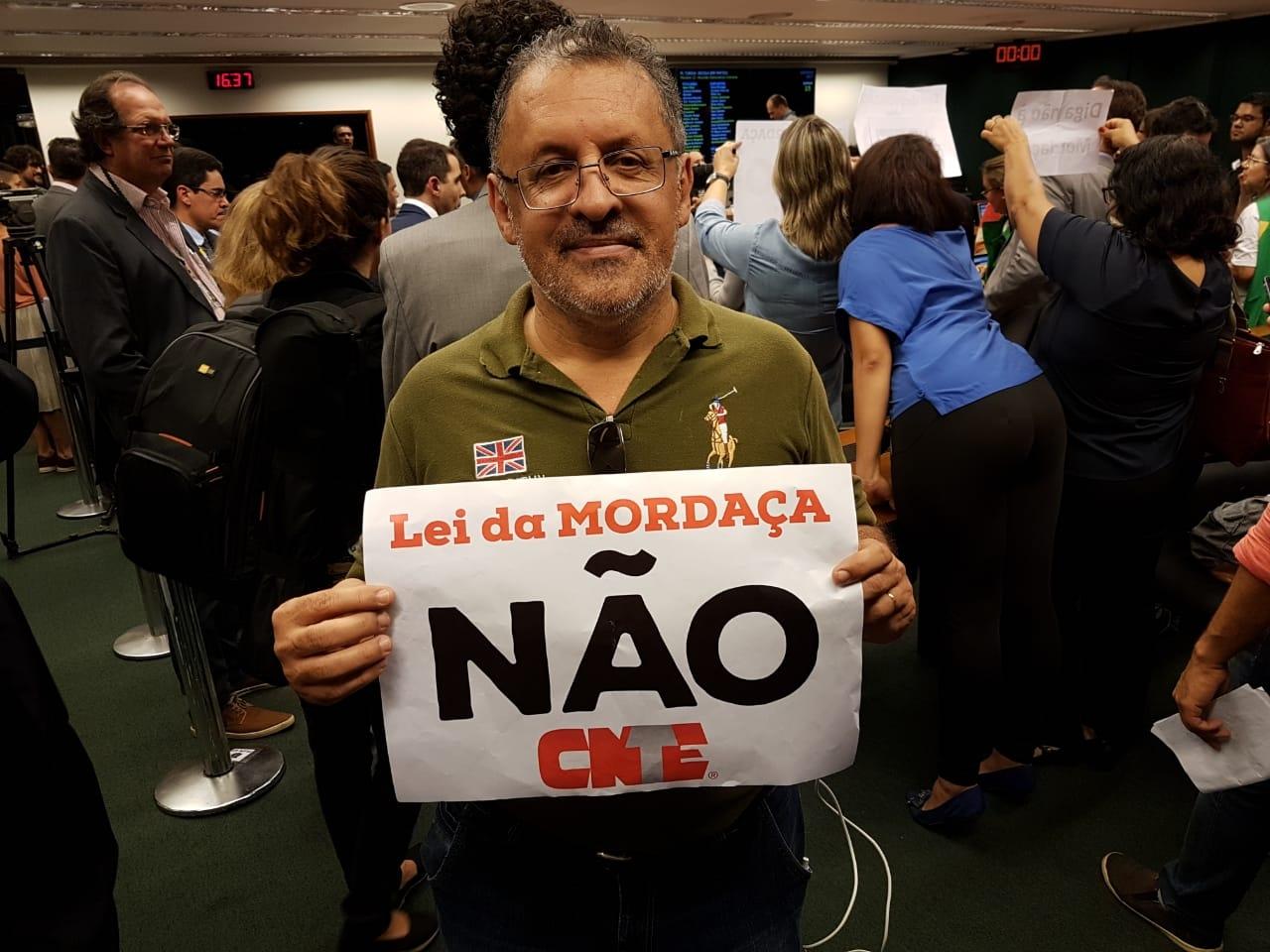 Fotos Lei da Mordaça Votacao (8)