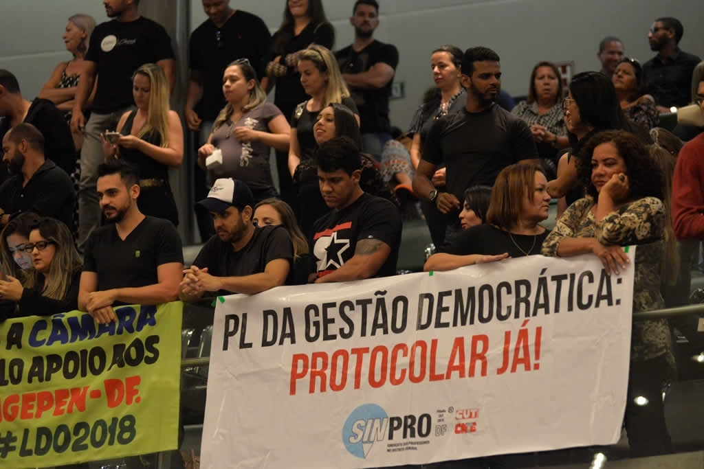 2017.12.12_VOTACAO DA GESTAO DEMOCRATICA E PECUNIA_fotos DEVA GARCIA (2)